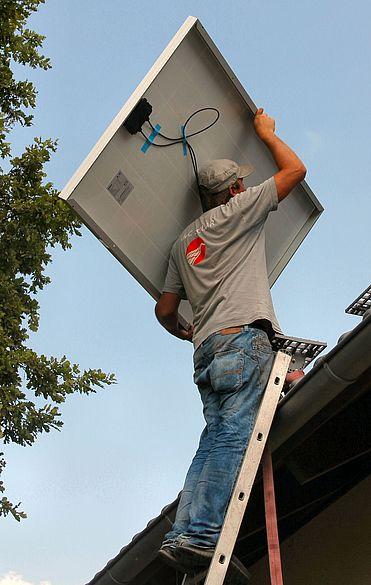 Installation eines Solarmoduls